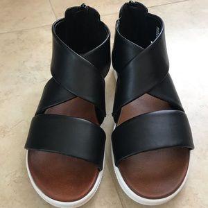 NWT MIA Deana black sandals size 7.5
